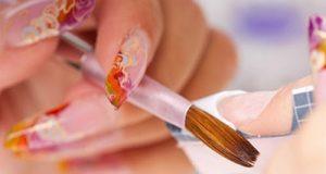 Покраска ногтей